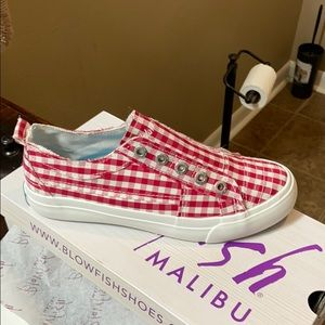 Blow Fish red and white slip ons